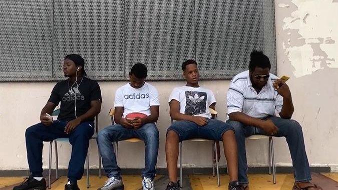 Filme l'avenir en Guadeloupe : [09] Les Abymes - De fil en aiguille