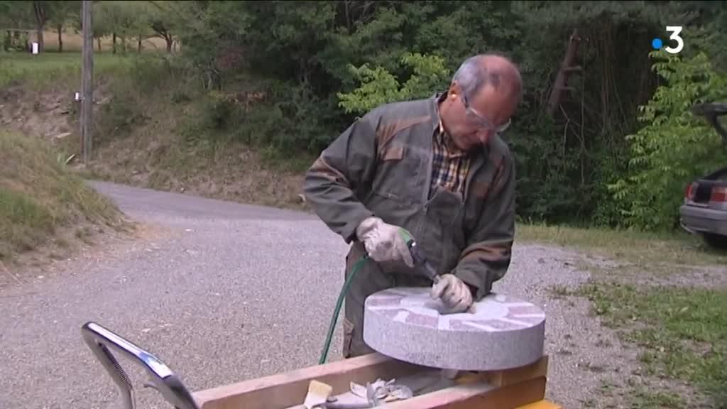 Le moulin Astrié : un moulin à meule de pierre pour permettre aux paysans d'être autonome
