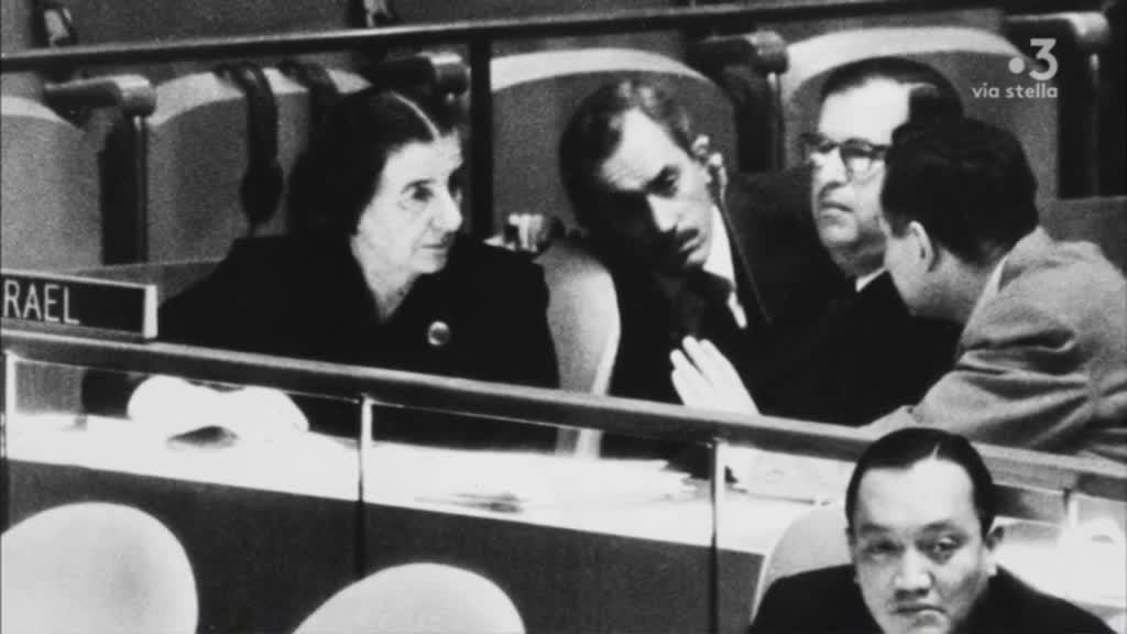 """Collection Documentaire Via Stella : """"Golda Meir, une femme en première ligne"""""""